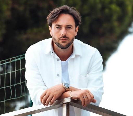 """Le chiavi di Andora ad Alessandro """"Stermy"""" Avallone, gamer professionista più volte campione del mondo di videogiochi competitivi"""