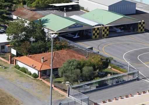 Una nuova sede per l'Aero Club di Villanova d'Albenga, ma non mancano dubbi e preoccupazioni