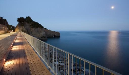 Albisola Superiore: teatro protagonista alla terrazza sul mare