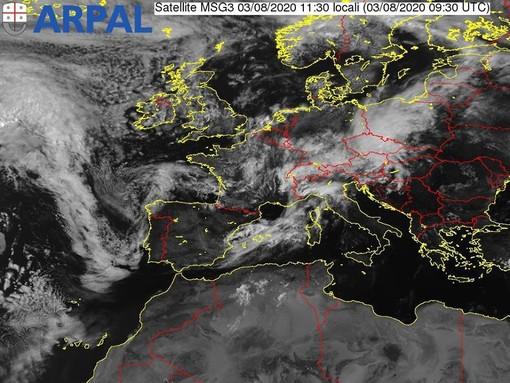 Maltempo in Liguria: modificata l'allerta gialla per temporali