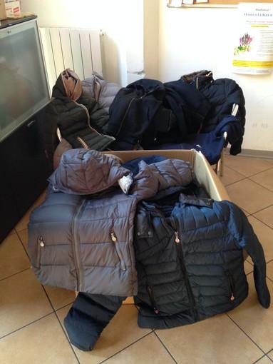 Ad Albenga raccolta di abiti e scarpe usate con l'Agesci