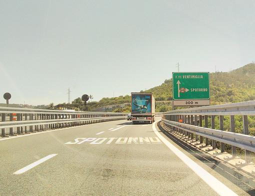 Rifacimento della pavimentazione lungo la A10: chiusura parziale dello svincolo di Spotorno