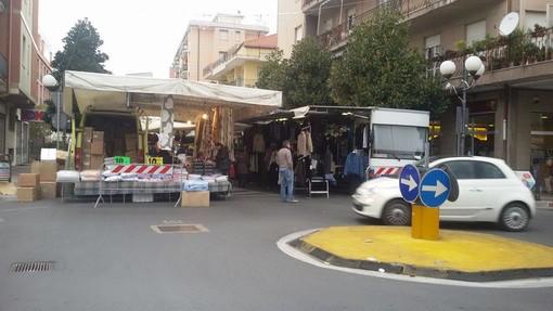Primo giorno sul Lungocenta per il mercato di Albenga
