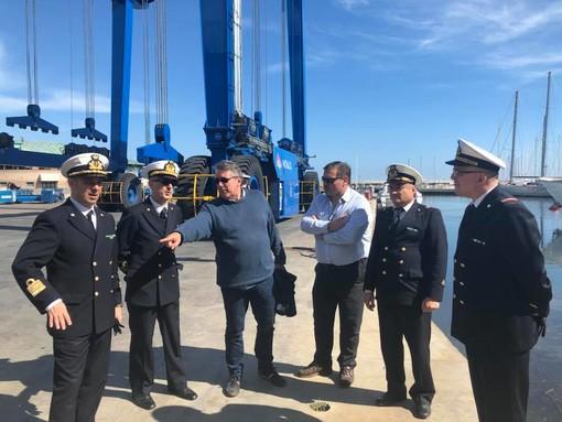 L'Ammiraglio Ispettore Nicola Carlone Direttore marittimo della Liguria visita la Marina di Varazze