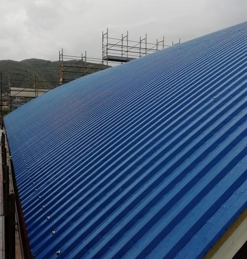 Albenga, rifacimento tetto bocciofila: continua l'intervento di restyling