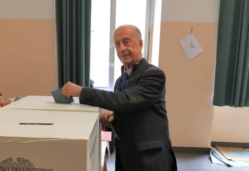 Vado Ligure, il candidato sindaco Pietro Bovero ha votato