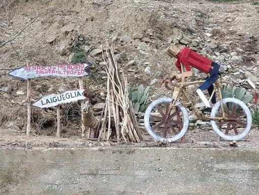 """Arnasco accoglie festosamente il """"Trofeo Laigueglia"""" con una installazione artistica"""