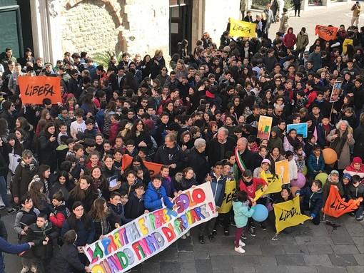 """Albenga celebra la """"Giornata della memoria e dell'impegno"""". Cangiano: """"A Don Ciotti farò vedere le fotografie di questa importante iniziativa  (FOTO e VIDEO)"""