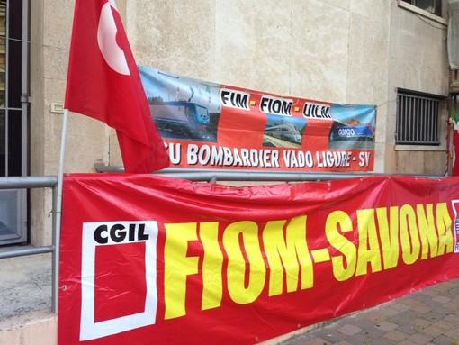 """Bombardier, accordo sui 104 esuberi. I sindacati: """"Merito della capacità di mobilitazione dei lavoratori"""""""