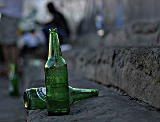 Albenga, il sindaco Tomatis firma ordinanza su vendita e somministrazione di bevande alcoliche sul territorio comunale