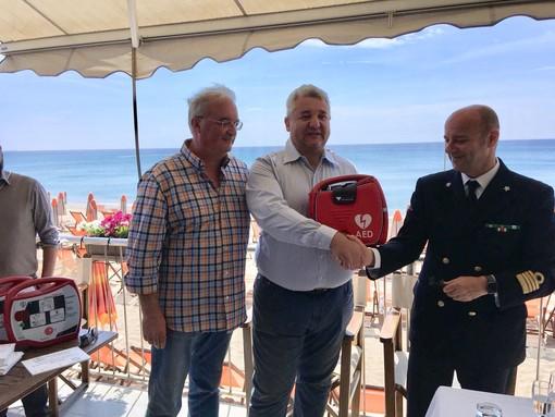 Savona, defibrillatori, Salvataggio 2.0 e lavoro per i migranti: novità sulle spiagge savonesi (FOTO e VIDEO)