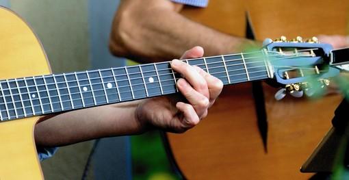 Sette note di solidarietà. A Borghetto concerto di chitarra classica a sostegno dell'Associazione Projeto Corumbà Onlus