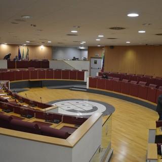 """Regione: i gruppi di opposizione scrivono a Toti """"Convochi al più presto i due tavoli regionali su situazione economica e anziani"""""""