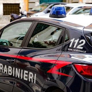 """Manda la foto di un cappio a un amico: """"Mi voglio suicidare"""". Ma i carabinieri di Alassio lo salvano"""