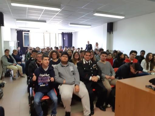 Alassio, i carabinieri incontrano gli studenti dell'Istituto Alberghiero