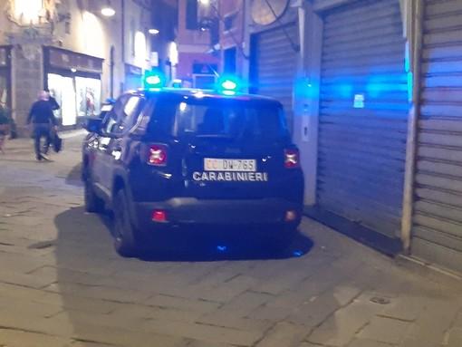 Savona, tragedia nel centro storico: cade dalla finestra e perde la vita