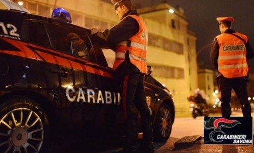Cisano, cittadino irregolare maltratta la compagna e le lancia grappa sul volto: denunciato dai carabinieri