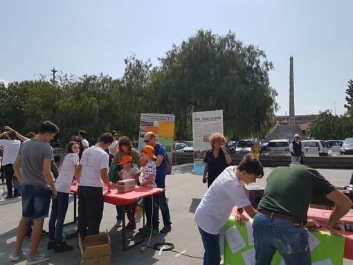 I Giovani per la Scienza dal Campus Universitario di Savona alla Città dei Bambini per far fare esperimenti ai più piccoli