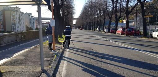 Savona, proseguono in corso Ricci i controlli con il telelaser della polizia locale
