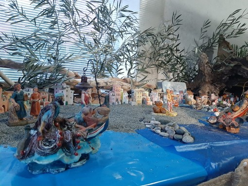 "Tra la pineta, il ""pennello"" e le casette colorate: Celle in un classico presepe (FOTO E VIDEO)"