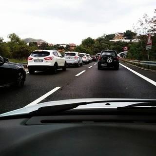 La settimana in A10 inizia da bollino rosso: in direzione Savona previsti importanti rallentamenti