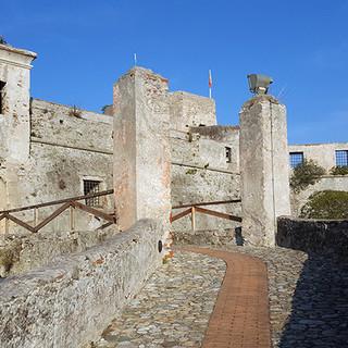 Finale, presunte irregolarità edilizie a Castelfranco: depositata dal pm richiesta di decreto penale