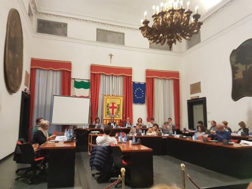 Centri salute, il Consiglio comunale di Albenga 'convoca' l'assessore Viale e il direttore Asl Porfido