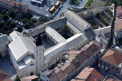 """Finalborgo, all'Oratorio dei Disciplinanti la collettiva """"Dalle Terre Basse"""" con le opere di  Battarola, Pezzotti e Rossi"""