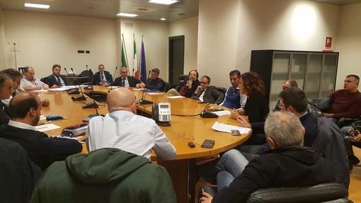 """Bombardier, il consiglio regionale approva l'ordine del giorno vadese, sindaco Giuliano: """"Entro 48 ore si sblocchi la commessa"""""""