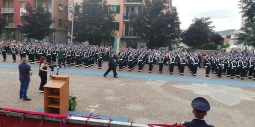 Commozione e applausi al Giuramento della Scuola di Polizia Penitenziaria di Cairo