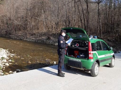 Via alla stagione di pesca, iniziano anche i controlli dei Carabinieri Forestali in Val Bormida