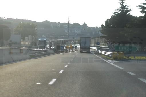 """Caos autostrade, i sindaci compatti all'incontro col ministro Giovannini: """"Stop cantieri in estate: ne va dell'economia regionale"""""""
