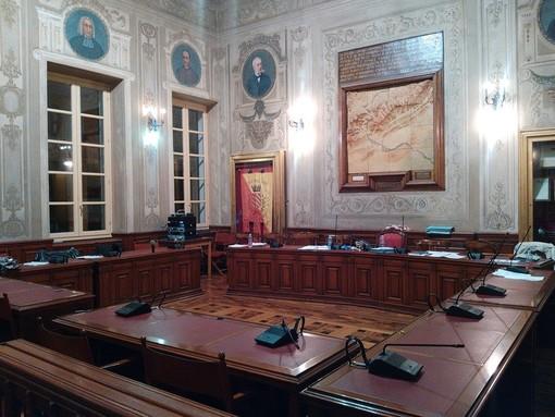"""""""Rafforzamento pubblico"""" sull'area dell'asilo di Varigotti, Simonetti: """"Nessuna astensione, io e il consigliere Badano non eravamo presenti in Consiglio comunale"""""""