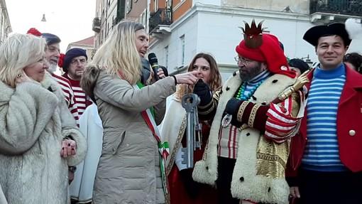 Savona, Cicciolin sbarca alla Torretta: via al Carnevale (FOTO e VIDEO)