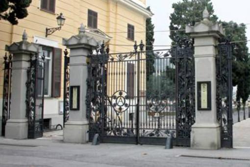 Savona, uomo muore nel cimitero di Zinola