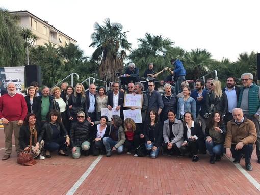 Riccardo Tomatis chiude la sua campagna elettorale in Piazza del Popolo ad Albenga