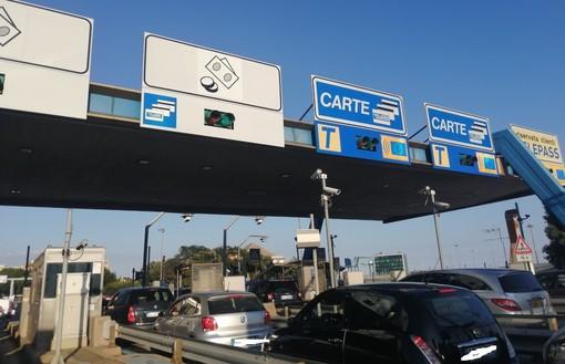 Incidente mortale A10, proseguono le operazioni di soccorso e ripristino tra Genova Aeroporto e Pra': traffico fatto defluire