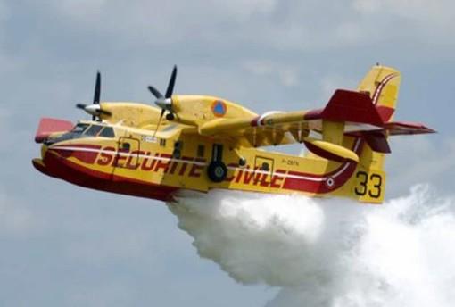 Incendio di Cenesi: pronti a intervenire altri mezzi aerei