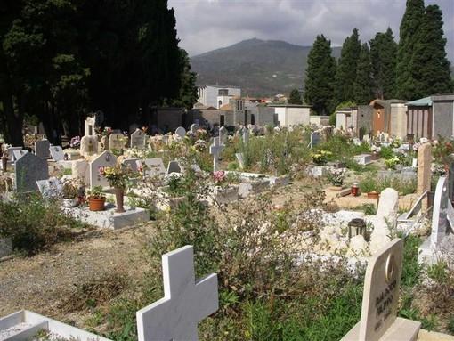 Fase 2, cimiteri verso la riapertura ma non tutti: le decisioni dei sindaci del savonese