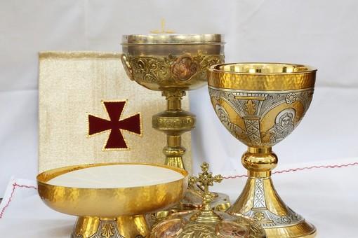 In Cattedrale a Savona le cresime di Vado, Quiliano, Valleggia