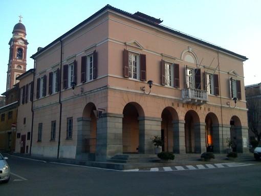 Carcare rifà il look al mercato settimanale: piazza Caravadossi chiusa al traffico e nuova sistemazione banchi