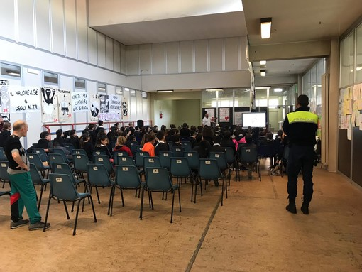 "Bandiera verde Eco-School e corsi di educazione stradale: diventano sempre più ""grandi"" le scuole di Borghetto"