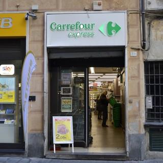 Carrefour, nuove cessioni in tutta Italia, 17 punti vendita interessati sulla Liguria: l'allarme della Filcams Cgil