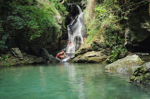 Escursione alla Cascata delle Libellule Blu di Rialto