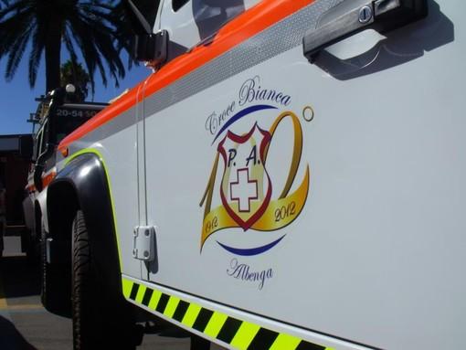 Ceriale, scontro tra moto e auto sulla via Aurelia: ragazza in codice rosso al Santa Corona