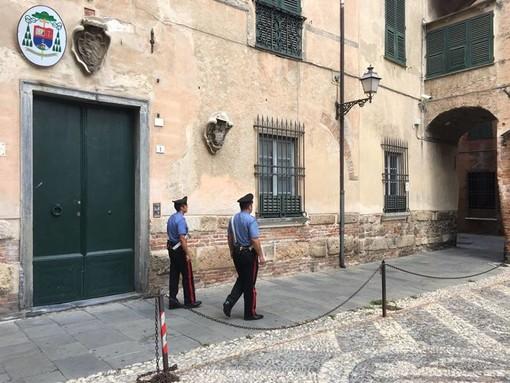 Controlli dei Carabinieri ad Albenga sulla sicurezza: operaio sorpreso con una pistola giocattolo