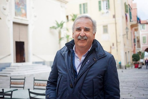 Il sindaco di Pietra Ligure De Vincenzi ospite a Radio Onda Ligure 101