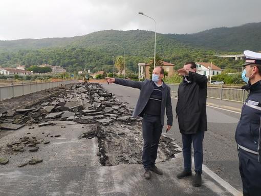 Andora, iniziata la demolizione del ponte di via Europa unita: ecco la nuova viabilità