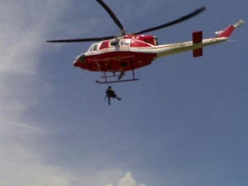 L'elicottero soccorre un biker sulle alture di Caso, sopra Alassio