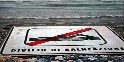 Savona, rottura condotta fognaria e sversamento: il sindaco Caprioglio vieta la balneazione